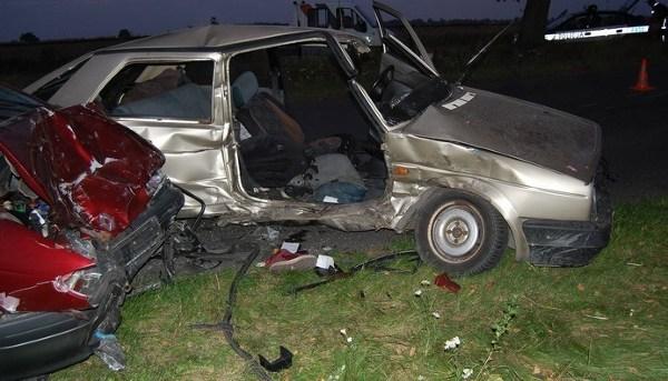 3,2 promila alkoholu miał kierowca volkswagena, który spowodował wypadek, do którego doszło w pobliżu miejscowości Orzechówek pod Radomskiem.
