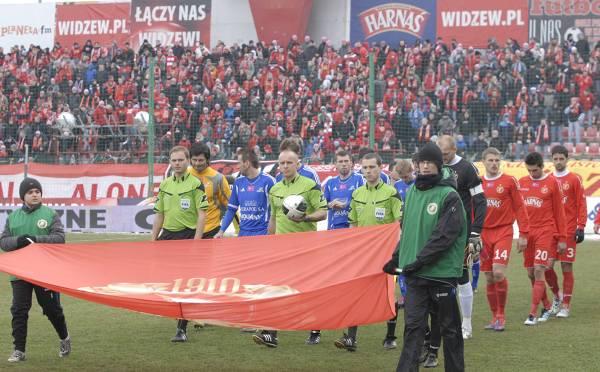 Piłkarze Widzewa w sobotę zagrają w Warszawie z Polonią.