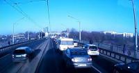 Poznań. Pirat drogowy na moście dworcowym