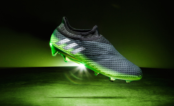 Messi16 Space Dust