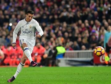 Ronaldo rozwiewa mity: 3000 brzuszków dziennie? Dużo mniej