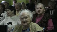 Aktorzy i mieszkańcy DPS-u zaśpiewali kolędy