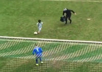 Kilkuletni chłopiec zdobył bramkę i pokazał cieszynkę a la Ronaldo [WIDEO]