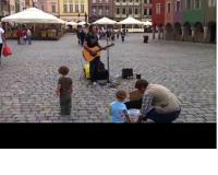 Giovanni - uliczny grajek prosto z Włoch na Starym Rynku